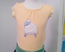 Gorgeous T-Shirt in yellow with sheep application, for girls, size 92 / 2 years, motive can be combined with various colours / sizes, Anna - em