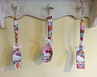 "Decoupaged ""Hello Kitty"" Decorative Wooden Utensil Set (3 piece)"