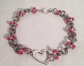 Pink beaded bracelet, pink chain bracelet, pink heart bracelet, pink bracelet, bracelet pink, heart bracelet