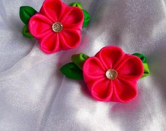 Hot pink kanzashi style flowers