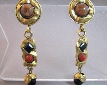 Vintage matte gold metal dangle modernist style pierced earrings