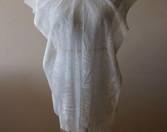 Vintage White Boho Lace Look Burnout Shawl Poncho Fringed Summer Beach Wedding Cover Up - M-587