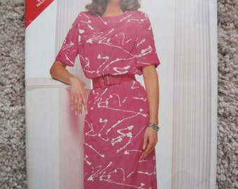 UNCUT Misses Dress - Size 16 to 20 - Butterick Pattern 5488 - Vintage 1986