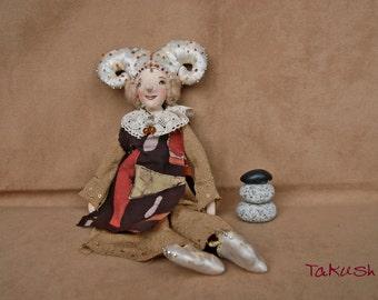 "Primitive handmade art doll ""Regina"" made out of fabric"