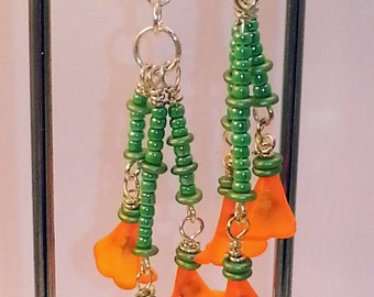Lucite Lily Flower Beaded Dangle Earring