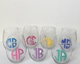 Personalized Monogram Bridesmaid wine glasses - Wine glasses, Bridal shower, Wedding party, Bridal party, Bachelorette gift, Monogram gift