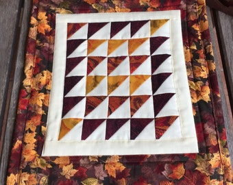 Autumn Colors Mini Art Quilt | Bedfordshire Autumn Quilted wall hanging | HSTs Fall Mug rug | Candle Mat | Snack Mat