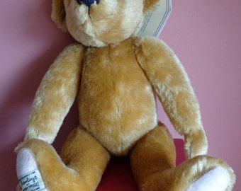 Beautiful Vintage Traditional Classic Mohair Bear, Made By Merrythought Exclusively For Hamley's, Fantastic 15 Inch Teddy Bear,