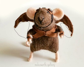 Needle felted Mouse/Needle felted animal/traveller mouse/fibre art/tiny mouse/steam punk mouse/ Needle felted brown mouse