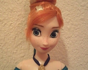 Disney Frozen Authentic Handmade Necklace & Coronation Comb Set For Anna Doll