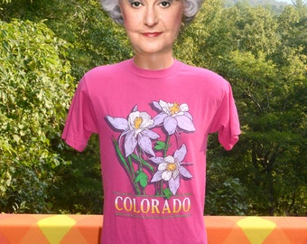 vintage 80s t-shirt COLORADO flower columbine nature magenta pink tee shirt Medium Small soft