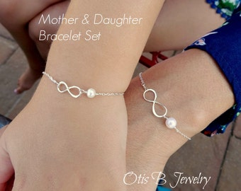 Mother Daughter bracelet SET, One Large and One Small silver infinty bracelet with pearl, Mother's Day, Valentine's day gift, Otis B etsy