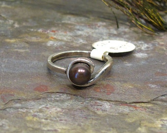 Pearl Ring: 6mm Plum Eggplant Purple FWP Sterling Silver Bypass Solitaire Ring - Size 6