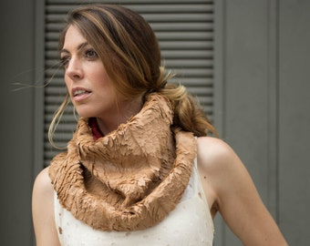 Feather look faux fur scarf in camel