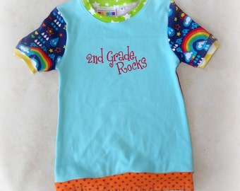 2nd Grade Rocks Cuffed Tunic, Size 7/8 - INSTOCK