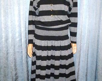 Vintage 80's - Black and Grey - Horizontal - Wide - Stripe - Ruched Yoke Waist - Button Front - Mod - Punk - Jersey - Dress - size 10
