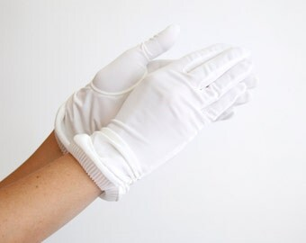 Hansen White Nylon Gloves size 7