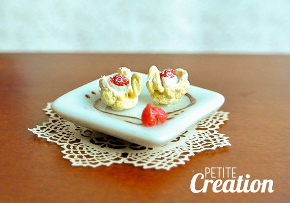 Swan Cream Puffs - 1/12 Scale Dollhouse Miniature