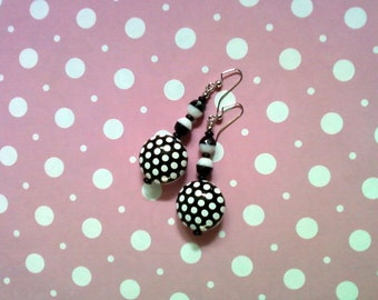 Black and White Polka Dot Earrings (2148)