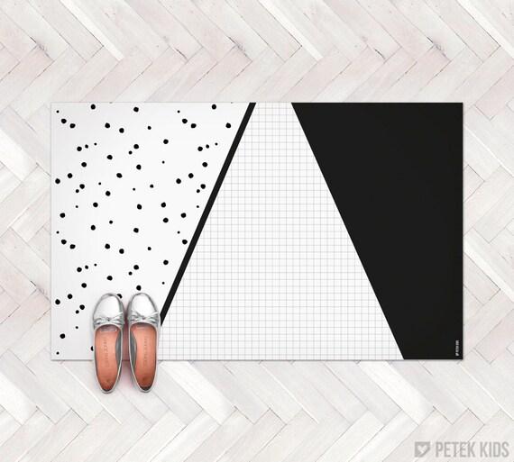 Black And White Geometric Kitchen Rug: Black And White Geometric Rug / Kitchen Rug / By Petekdesign