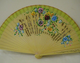 Regency/Victorian Style Fan. Wood. Yellow hand painted flowers.