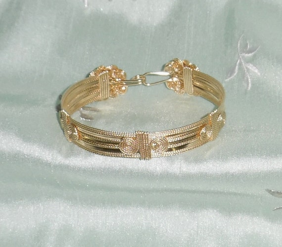 """Custom 14kt yellow gold 1/2"""" wide Omega Bangle Bracelet approx: 15 grams in cherry Box"""
