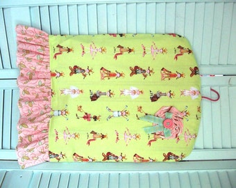 """Girls' Full Garment Dust Cover with ruffle-""""Dress Up"""" print-pink and green"""