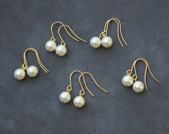 Pearl Dangle Earrings, Gold Earrings Bridesmaid Gift Set of 6, Bridal Party Jewelry, Ivory Pearl Earrings