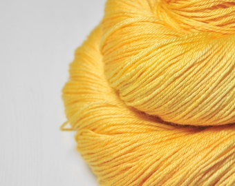 Sunny summer day - Merino/Silk Fingering Yarn Superwash