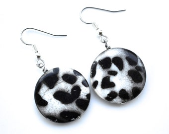 Leopard Print Mother of Pearl Shells . Silver and Black . Earrings