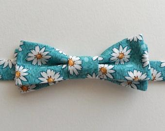 Daisy Adjustable Bow Tie in Aqua, White // Cotton, 90s