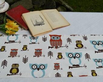 Owl Table Runner . Hooty Owl Village by Premier Prints . Beautiful Handmade by SeamsOriginal