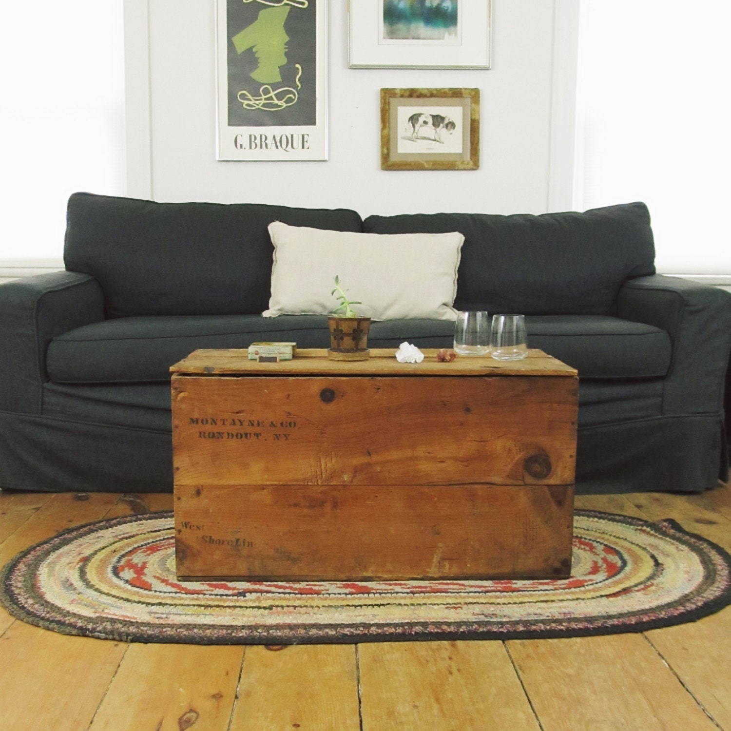 Industrial coffee table primitive wood shipping crate trunk for Wood crate coffee table