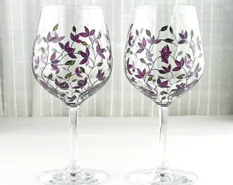 Wine Glasses, Purple Tulips Design, Wedding Glasses,  Painted Wine Goblets,  Hand Painted, Set of 2, Tulip Glasses, Painted Floral Glasses