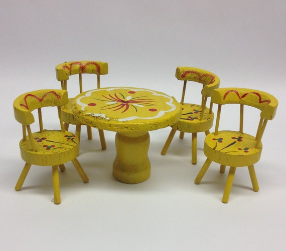 Dollhouse Miniatures In Las Vegas: Miniature Kitchen Table And Chairs Dollhouse Wooden Yellow