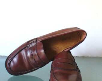 Vintage  Bass Classic  Oxblood Penny Loafers Size 10W