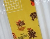 Vintage Tablecloth - Herb Tablecloth - Mid Century Kitchen Tablecloth - Herbs and Spices Tablecloth - Glamping - Free Shipping - 9ATT15