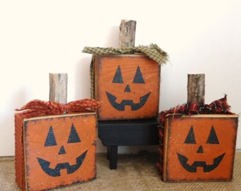 Halloween Pumpkins, Jack o lanterns, Country Primitive fall decor, set of 3 reclaimed wood pumpkins, autumn decorations, Halloween mantle