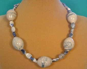 """Cool, casual 18"""" necklace of white and Denim Blue - N462"""