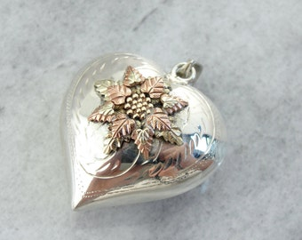 Shining Silver Heart with Poinsettia Center of Vintage Black Hills Gold NEQHFH-R