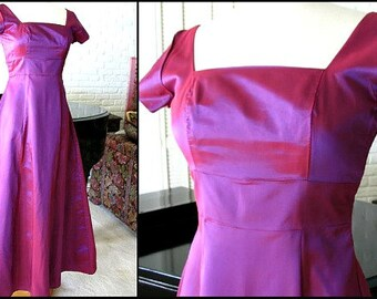 Iridescent Taffeta Gown / fits S / Vintage 70s Purple Gown / 70s Orchid Dress / 70s Purple Taffeta Gown / Indigo Taffeta gown