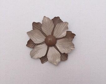 Vintage Tan Enamel Flower Pin/Brooch