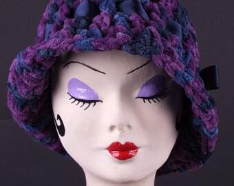 Bonnet, hand knitted