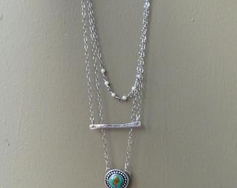 Turquoise en Pearl gelaagde sterling zilveren ketting