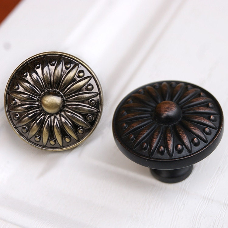 Drawer knobs pulls antique brass black red copper small for Small cabinet pulls