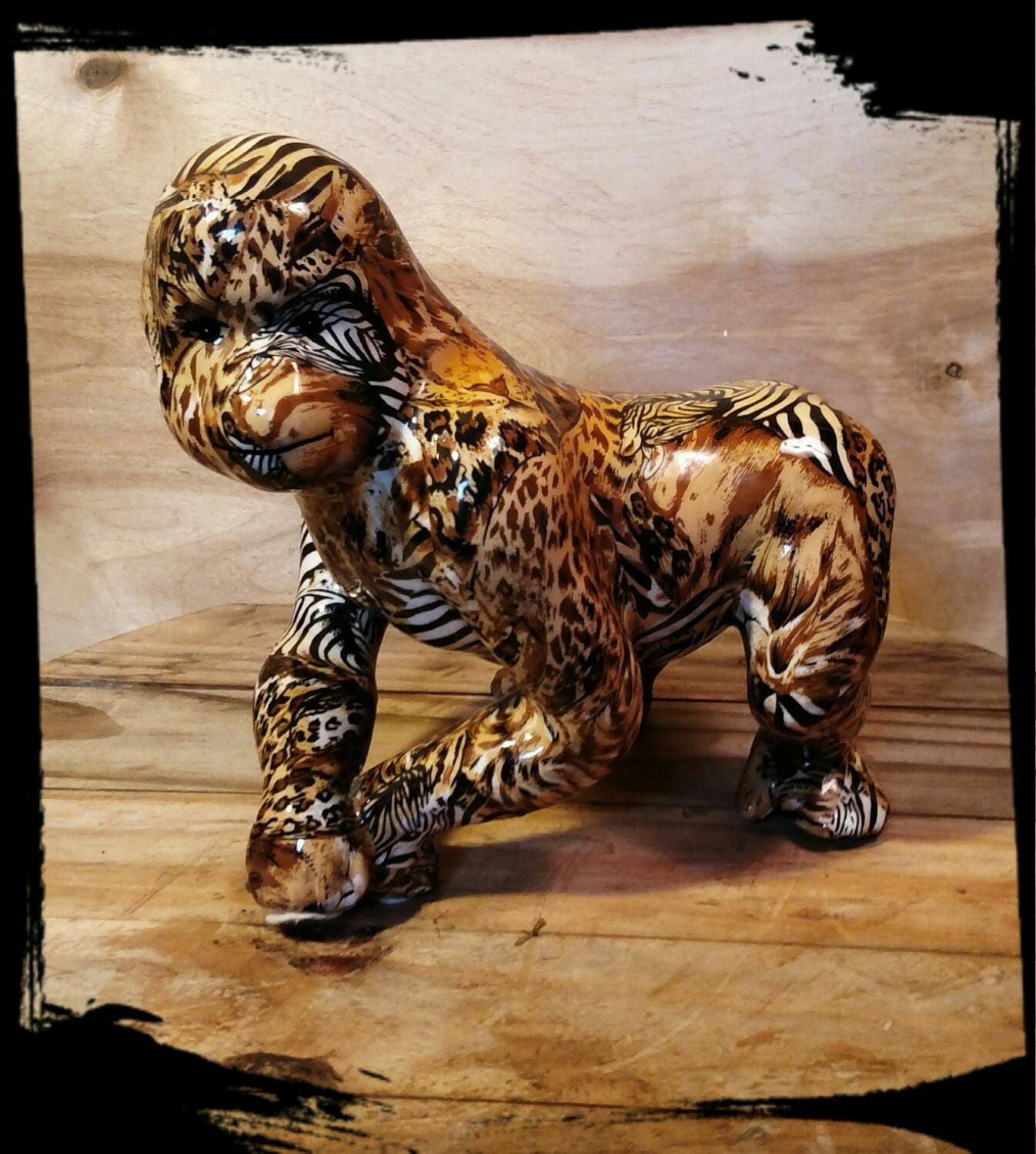 Collectible la vie safari gorilla figurine wildlife art - Gorilla figurines ...