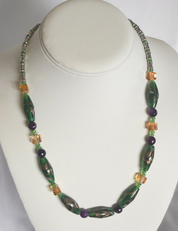 "19"" Vintage Green Lampwork Necklace"