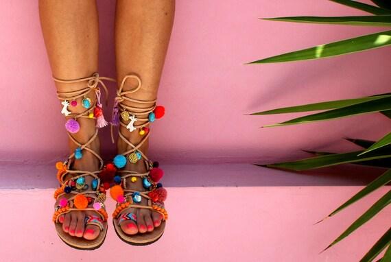 Sandales grecques ficeler sandales gladiateur sandales pom - Sandales a pompons ...