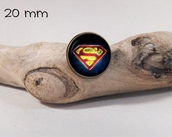 SUPERMAN pin 20 mm diam. Glass dome on pin