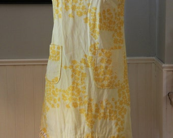 Vintage 1960s Yellow Floral Shift Mini Dress